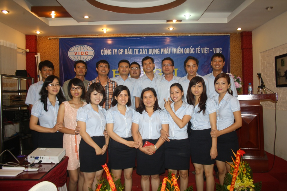 Triển khai SlimCRM cho quốc tê Việt